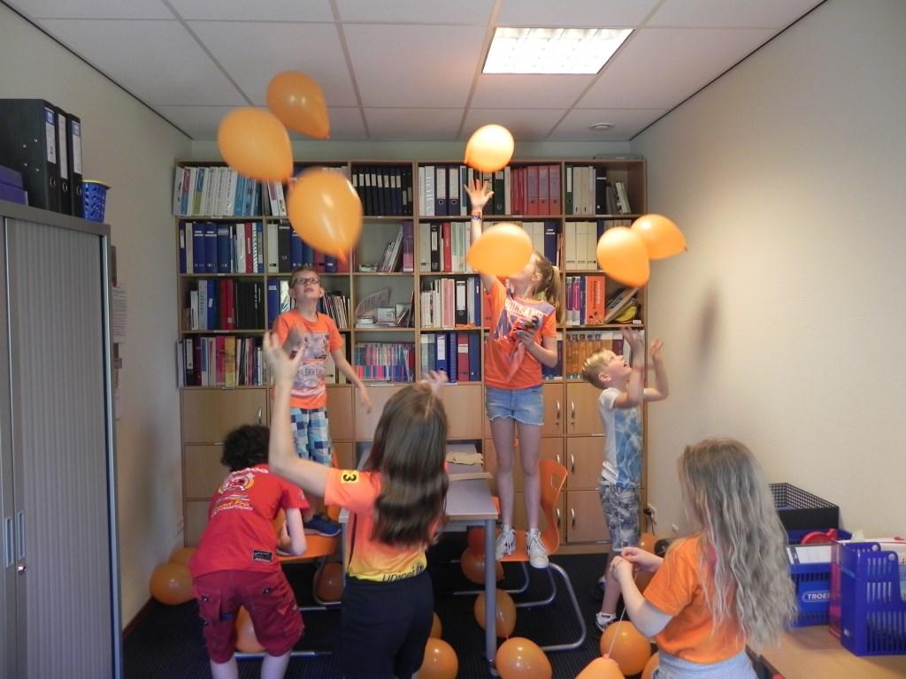 Houdt 30 ballonnen tegelijk in de lucht.                                Richard Thoolen © BDU media