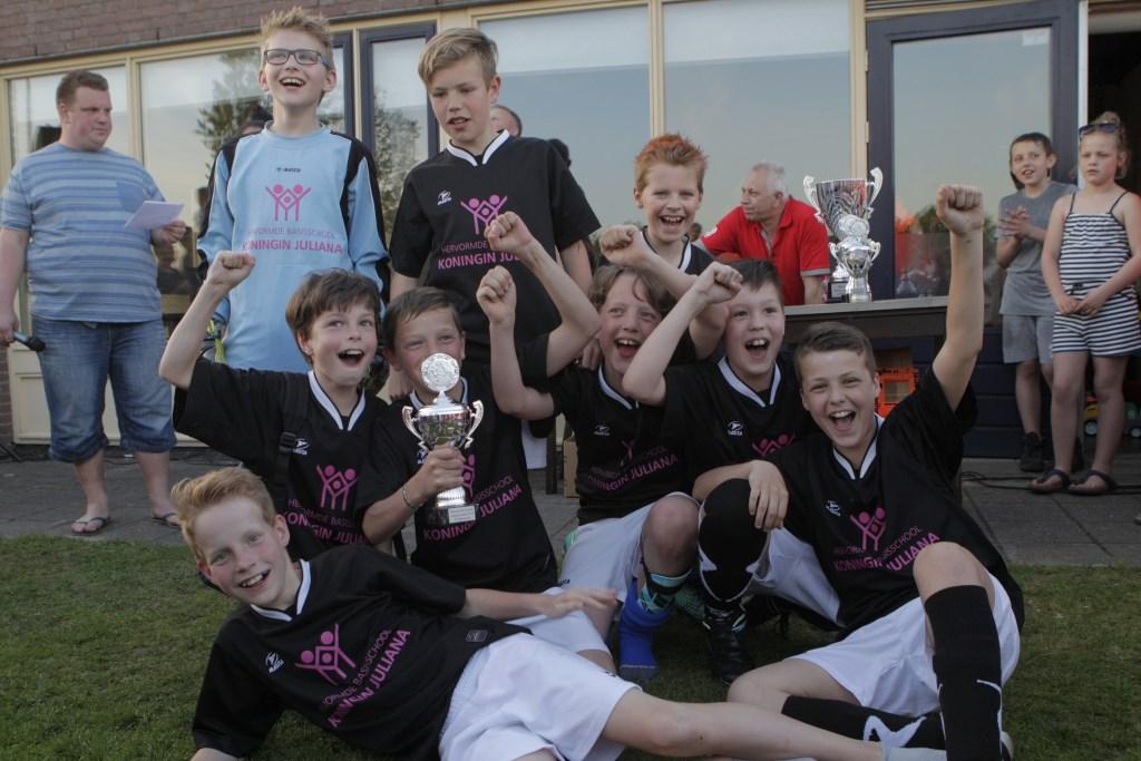 De jongens van De Spreng, winnaars in groep 6. Erik van't Land © BDU media