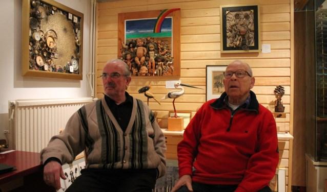 Aad Gordijn en Frans Hosman in het atelier van Frans.