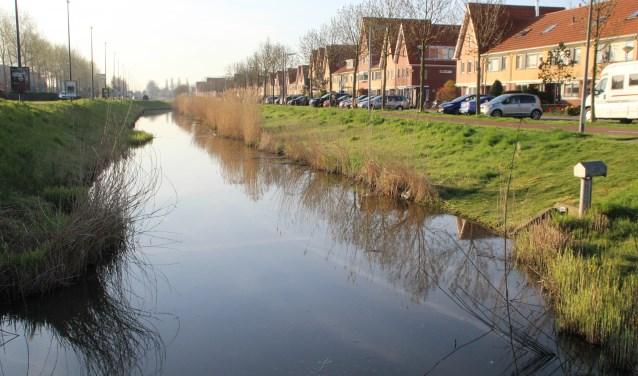 De kans bestaat dat ook bodems van sierwateren in Nieuw-Vennep West verzwaard moeten worden tegen opbarsting en daarmee (zoute) kwel.
