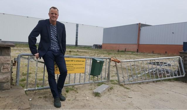 """Jannes Bosman, woordvoerder van de Sloothaak, heeftbegrip voor het plan van Keune. ,,Het bestemmingsplan is duidelijk, maximaal acht meter hoog."""""""