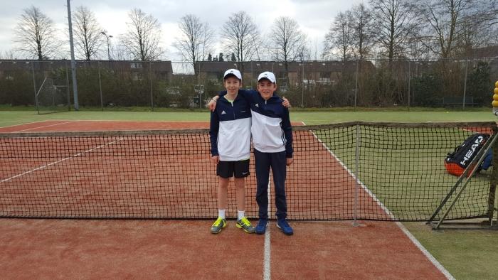 HE 6 1e Thijs Roper (r) en 2e Floris Bokx (l)