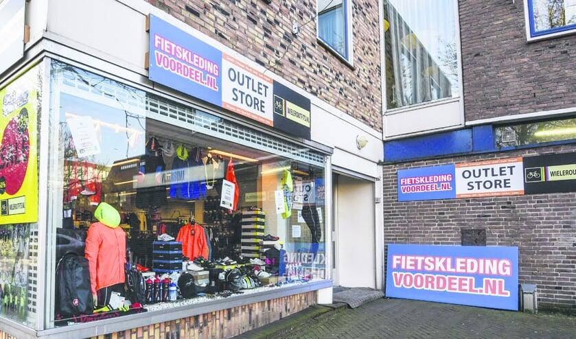 Fietskledingvoordeel.nl opent pop-upstore in Ouderkerk aan de Amstel.