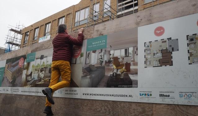 De columnist van de Leusder Krant, Marco Bosmans: nieuwsgiering en observerend. Mijmeringen, positief met een vleugje humor.