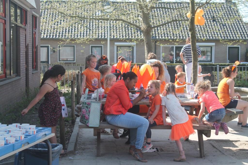 Koningsspelen voor groep 1 en 2 Hannie Lamberink-van de Veen © BDU media