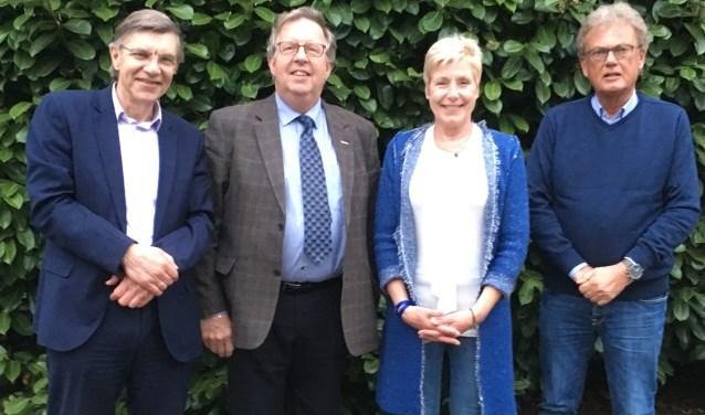 V.l.n.r. Teunis Reedijk en Dick Karssen, Liesbeth Overhagen en Remmelt Veenstra.