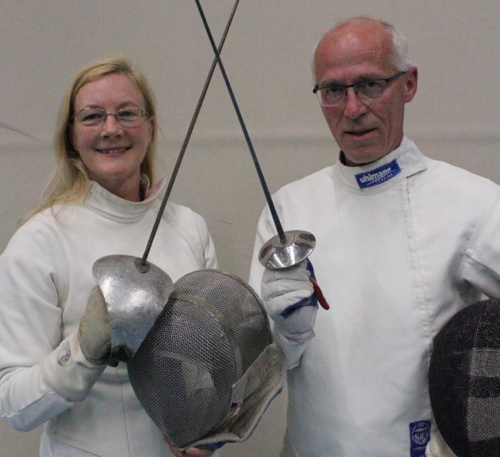 links: Jean-Marie Stokkermans op sabel, rechts: Paul van Dam op floret