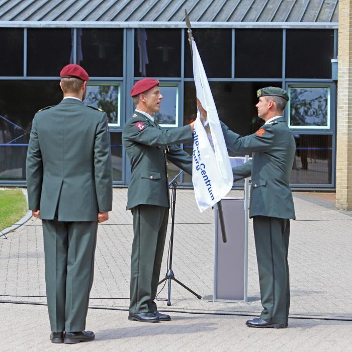 Tijdens een plechtige ceremonie droeg Luitenant-kolonel Jeroen Hulst het commando over aan luitenant-kolonel Léon Jans Heidie Mulder © BDU