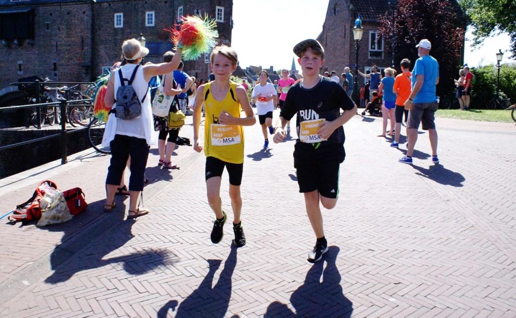 Leerlingen van het basis- en voorgezet onderwijs lopen gratis mee met de Marathon.