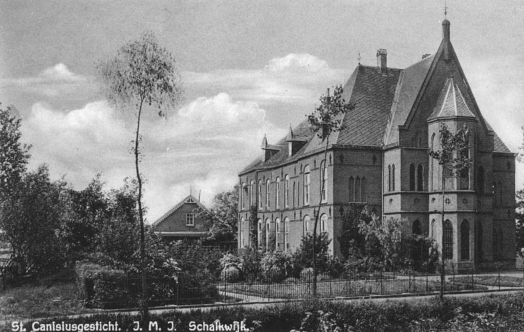 Het klooster aan de Lage Dijk Het Utrechts Archief, Uitgave N.v.d.Heuvel © BDU media