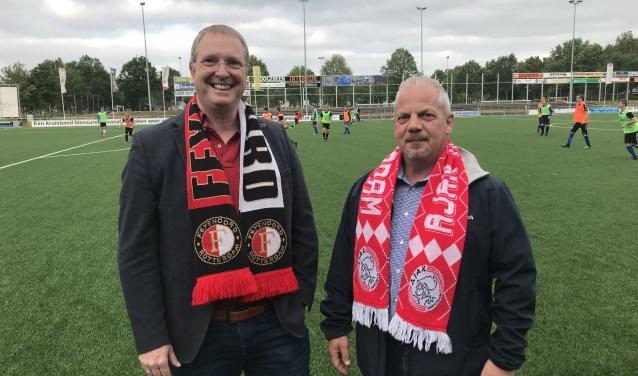 Albert de Bruin (links) en Gert Jan Blok zijn verguld met de komst van zowel Feyenoord als Ajax naar SDC Putten.