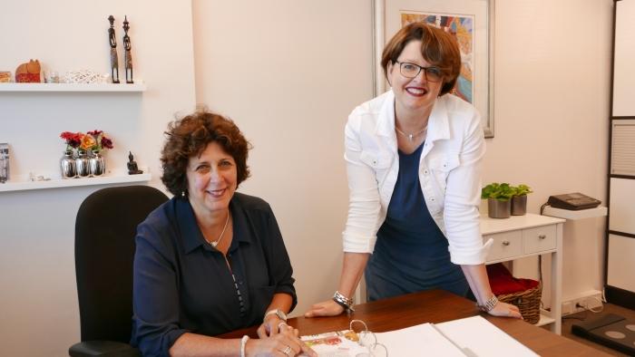 Petra Jongenelen en Arineke Deinum van Diëtistenpraktijk Amersfoort-Noord, die 25 jaar bestaat deze maand.