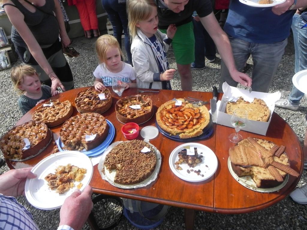 De taarten van de 10 deelnemers stonden uitgestald.                                Richard Thoolen © BDU media