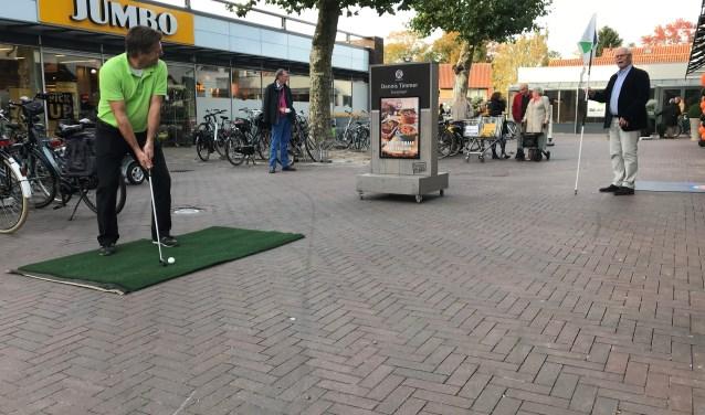 De 'Dorpsgolf' start op 16 juni om 13.00 uur in winkelcentrum De Biezenkamp.