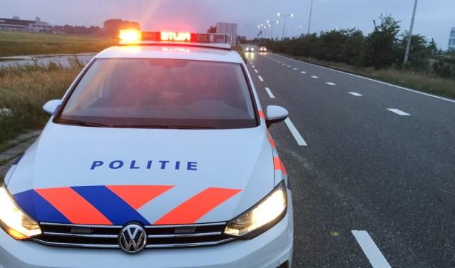 Bij de afrit van de snelweg kreeg een automobilist een stopteken.