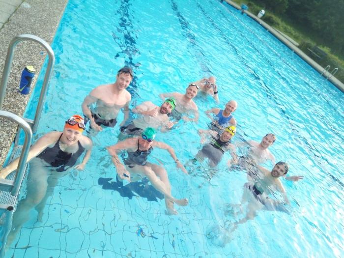 UHTT traint zomers in het Bosbad Leersum