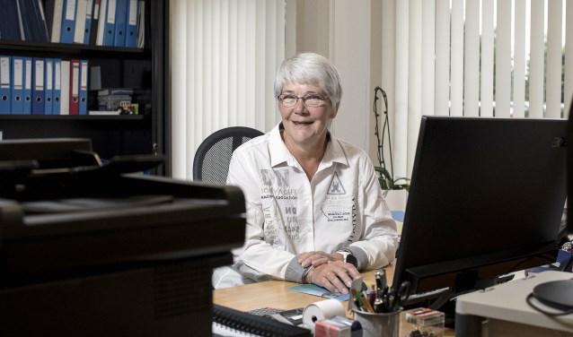 Ondanks lichamelijke ongemakken gaat Jessica Laumen nog iedere dag met plezier naar haar werk.