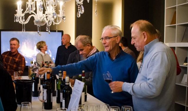 Deze wijnproeverij vindt plaats op zondag 17 juni van 15.00 uur tot 18.00 uur in Brasserie Eat & Meet, 't Erf 14 in Leusden.