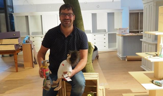 Mark Ligteringen is trots op zijn winkel waar de klant speelgoed écht kan beleven.