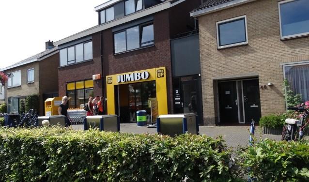 De Jumbo aan De Meent kocht de naastgelegen woning. Hier komt de ingang van de supermarkt