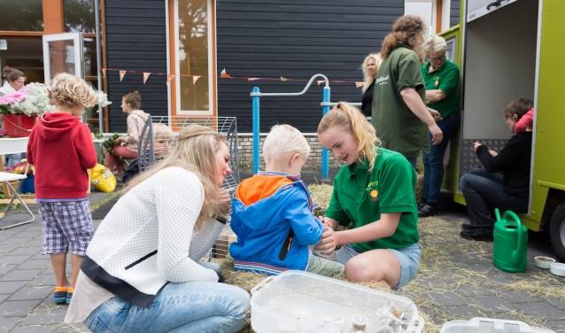 Afgelopen jaar werden al veel jaarfeesten georganiseerd door de initiatiefnemers. Hier vrolijkheid tijdens het Sint Jan-feest