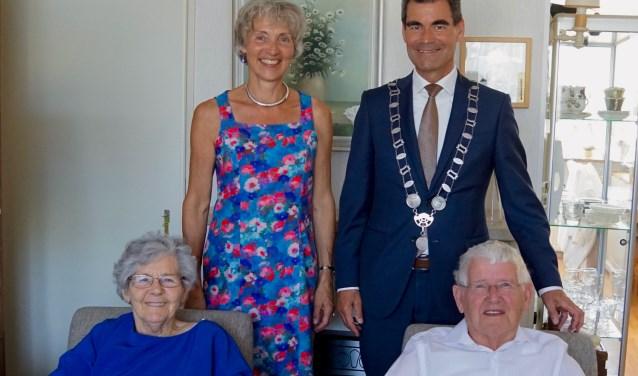 Het echtpaar Willebrands-Scherrenberg is 65 jaar getrouwd