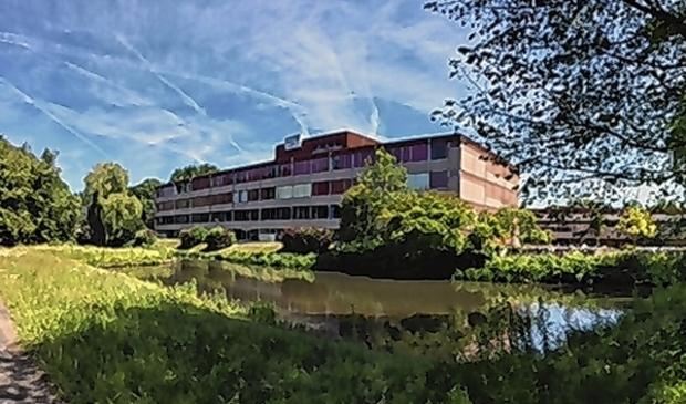 <p>Het oude gebouw van het HWC. De nieuwbouw moet eind dit jaar klaar zijn.</p>