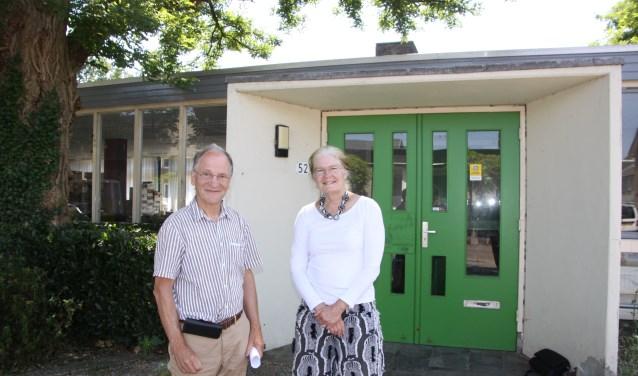 Lucas Koch, een van de drijvende krachten achter het sociale ontmoetingscentrum, en Christina Vermeulen, voorzitter van de Stichting Oude Bieb.