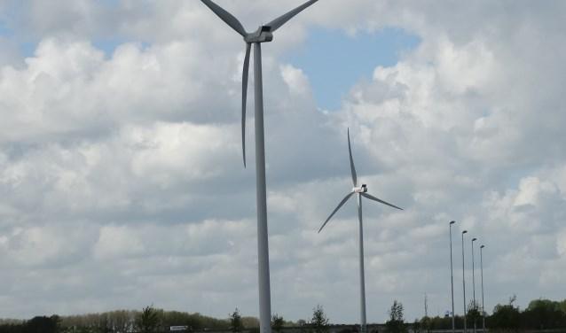 Windmolens van Uwind bij Houten langs Amsterdam-Rijnkanaal
