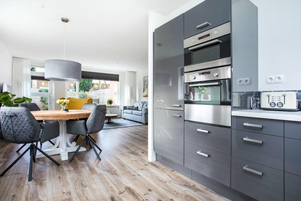 """""""Van de combinatie van de keuken, woonkamer en de tuin waren we weg"""" MARJOEK WARMINK © BDU media"""
