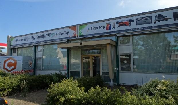 Het bedrijfsgebouw van Sign Top aan de Singel 45 in Odijk