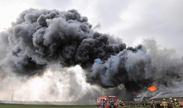 In februari 2015 brandde een pluimveestal met 24.000 kippen aan de Lange Zuiderweg in Voorthuizen af.