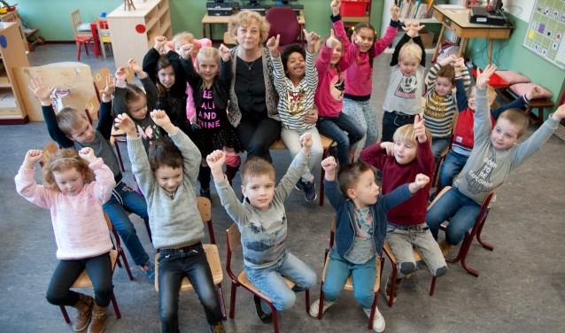 Scholen moeten onder andere vervangers zoeken voor de vele docenten die met pensioen gaan, zoals onlangs juf Brigitte van De Wegwijzer.