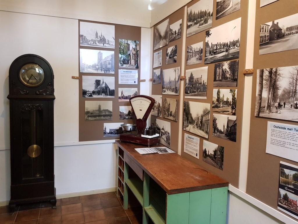 Impressie van 't Koetshuis met oude foto's en voorwerpen. Janneke Hek © BDU media