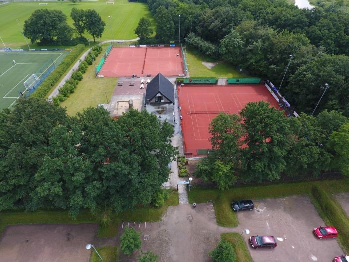 Een blik van boven op tennispark ATV
