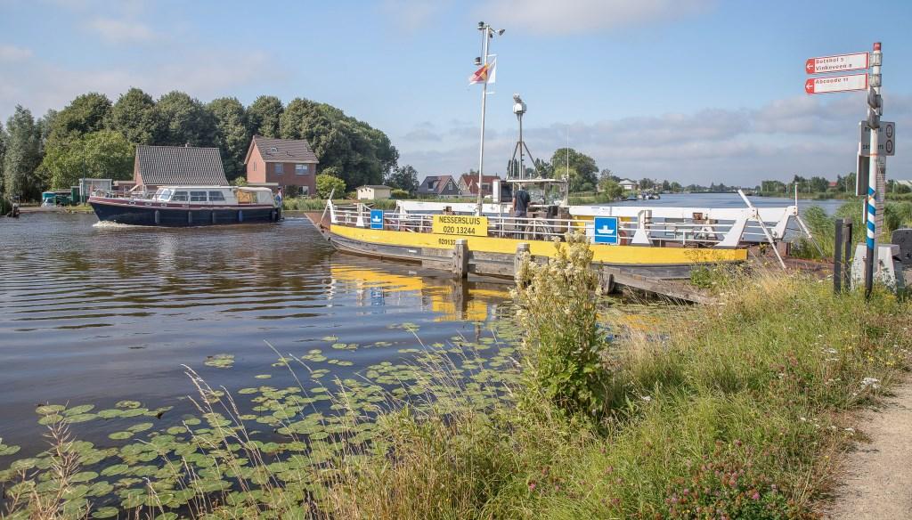 Pontje bij Nes aan de Amstel . Rien Smit © BDU media