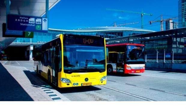 bussen U-OV en Syntus Utrecht op station Utrecht C.S.