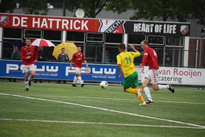 Aanvoerder Bas van der Hoeven trekt ten aanval richting doel tegenstander.  Peter Beemer © BDU media