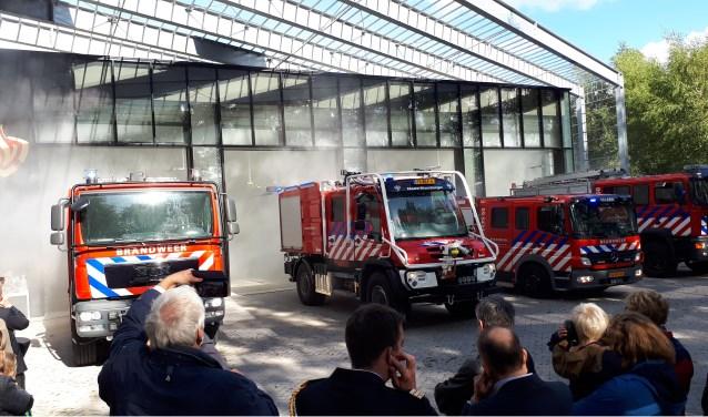 Luid spectakel bij de opening van de nieuwe brandweerkazerne in Maarn