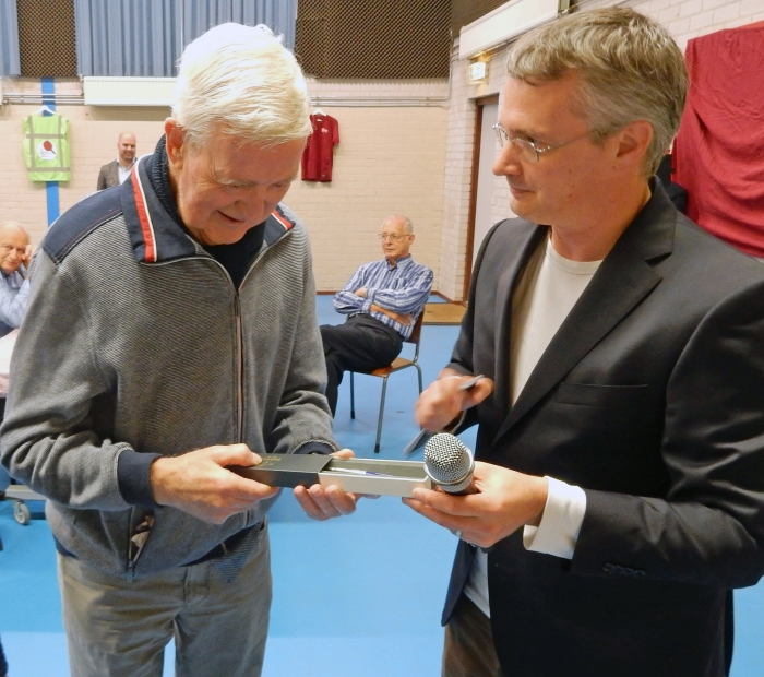 Louis de Bonte 64 jaar NTTB lid. Eric Tappen © BDU
