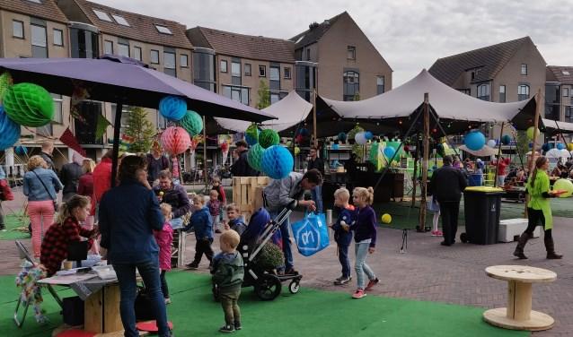 Kinderactiviteiten op het plein,een andere activiteit in het kader van de feestweken op Het Rond