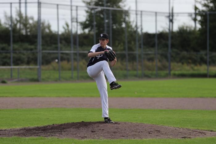 Pitcher Maarten Vloon in actie Hasko Schiltman © BDU media
