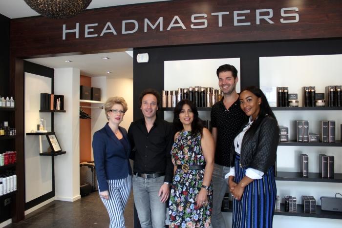 Personeel Headmasters met gasten