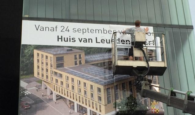 De aankondiging op het huidige onderkomen aan de Fokkerstraat is aangebracht. Frits van Breda © BDU media