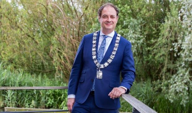 Burgemeester Bouwmeester: ,,Blijf afstand houden. Doe het voor elkaar!''