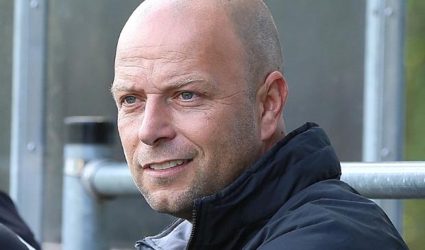 <p>Lunteren-trainer Dennis van den Berg.</p>