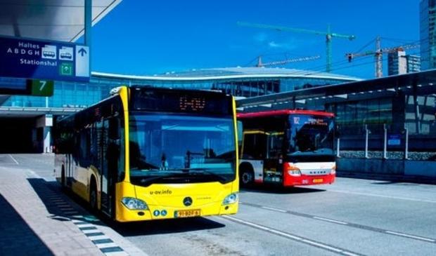 <p>Bussen van U-OV en Syntus</p>