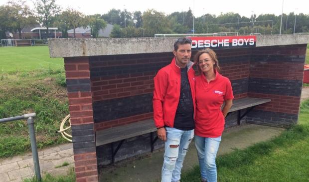 <p>Jan en Ellen Beumer verlaten Edesche Boys maar vergeten de club nooit.</p>