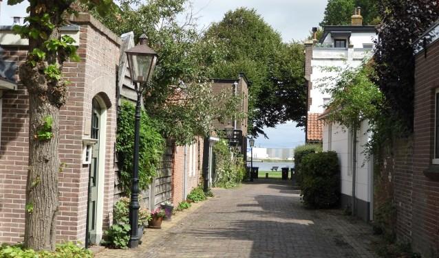Vanuit de Torenstraat, een fraai doorkijkje naar het Noordzeekanaal. Willem Moojen © BDU Media