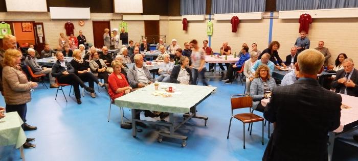 Voorzitter Gert Dijkhorst opent receptie
